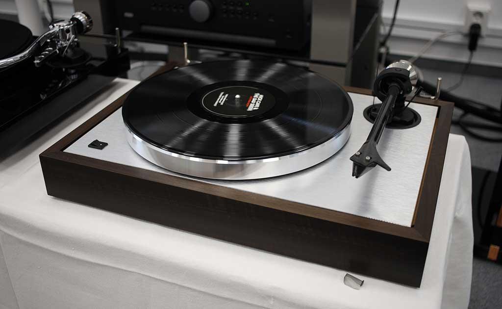 pro ject the classic hi fi voice recenze audio video. Black Bedroom Furniture Sets. Home Design Ideas