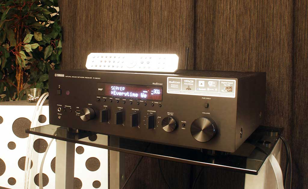 yamaha r n803d hi fi voice recenze audio video. Black Bedroom Furniture Sets. Home Design Ideas