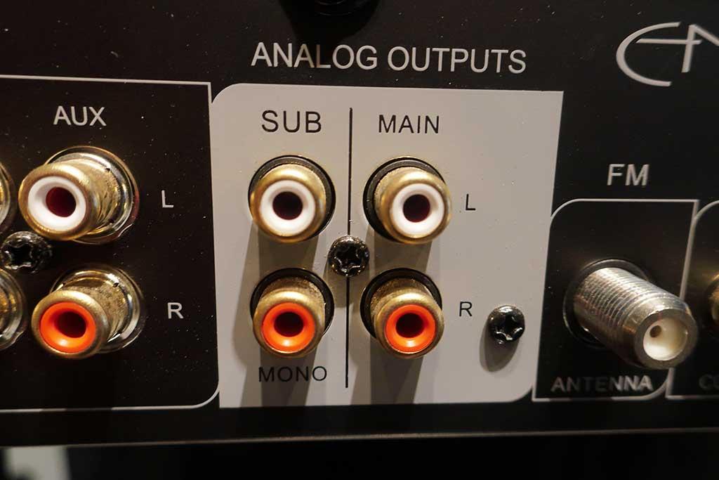 Jaké dráty potřebuji k připojení sub a zesilovače